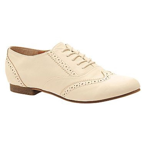 how to buy undefeated x on sale Ladies Oxford Shoes - Flats in Pale Cream Ivory 10